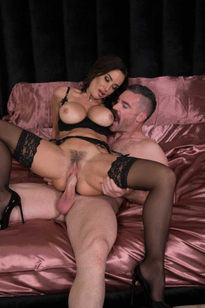 Milf goddess Lisa Ann gives another chance to her cheating husband