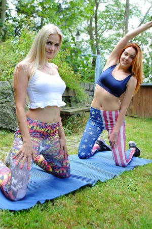 Candy Red & Katy Sky get naked for a pussy licking session outdoors